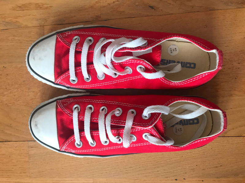 Converse rouge T.39