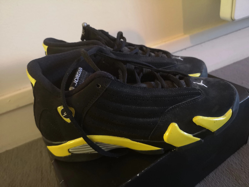 Air Jordan 14 retro jaune et noir - Vinted