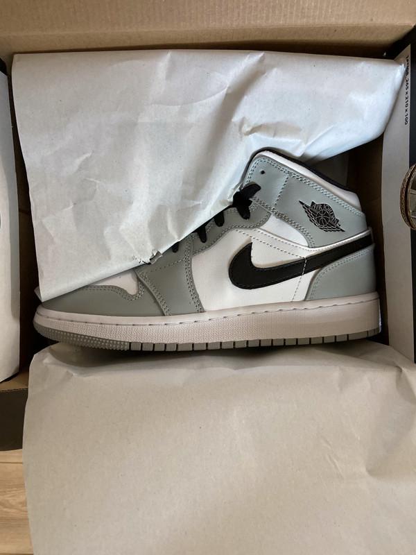 Air Jordan 1 Mid Gris