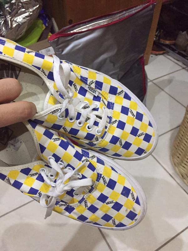 Basket Vans à carreau bleu et jaune - Vinted