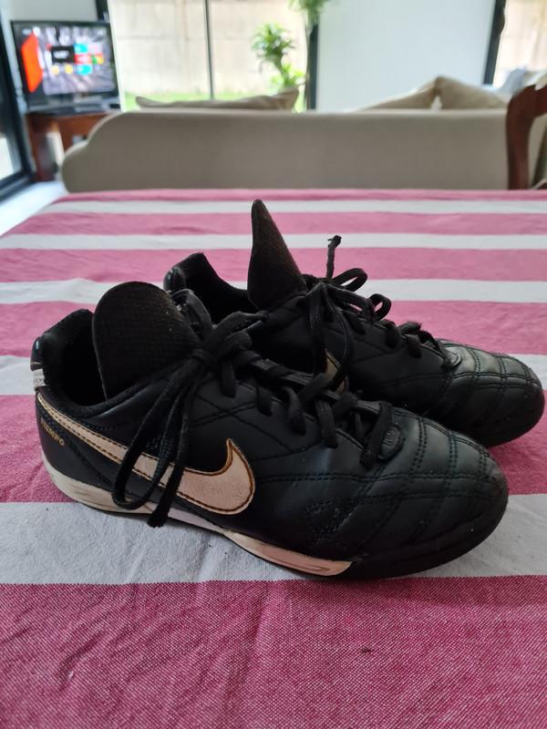 Baskets Nike garçon 30