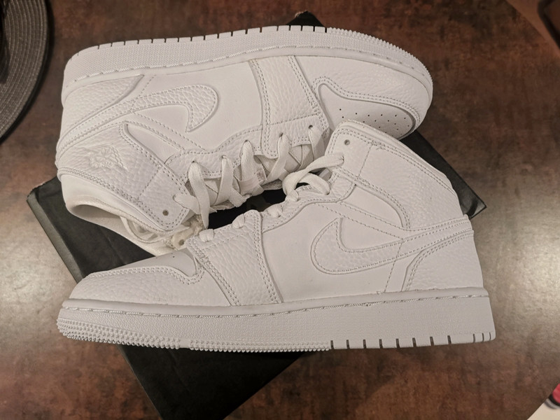 Nike Air Jordan 1 mid blanche - Taille 37.5 - Vinted
