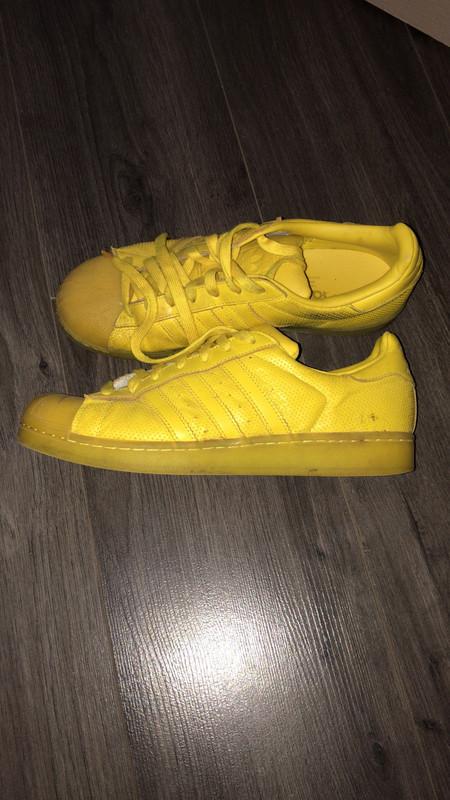 Chaussures adidas superstar Jaunes